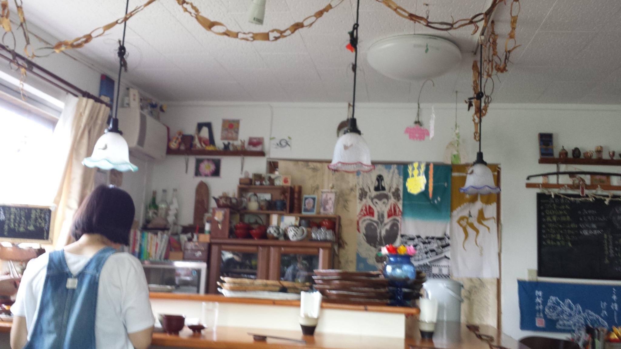 佐藤初女さん直伝のおむすびが食べられる沖縄の「めぇみち」_f0186787_1804480.jpg