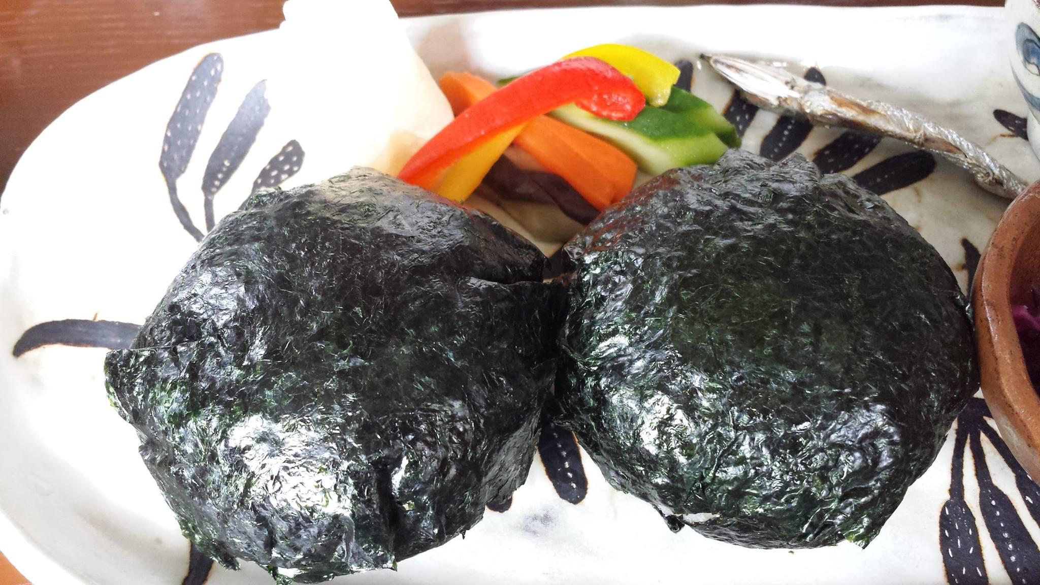 佐藤初女さん直伝のおむすびが食べられる沖縄の「めぇみち」_f0186787_1814260.jpg