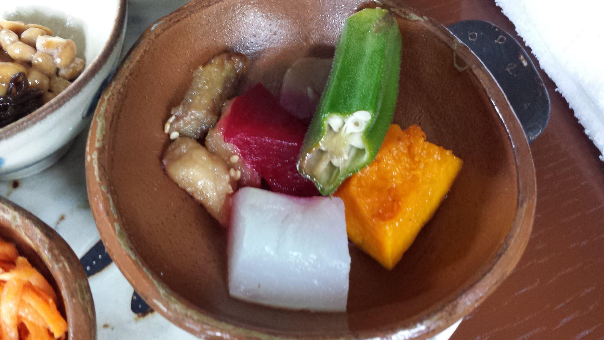 佐藤初女さん直伝のおむすびが食べられる沖縄の「めぇみち」_f0186787_182174.jpg