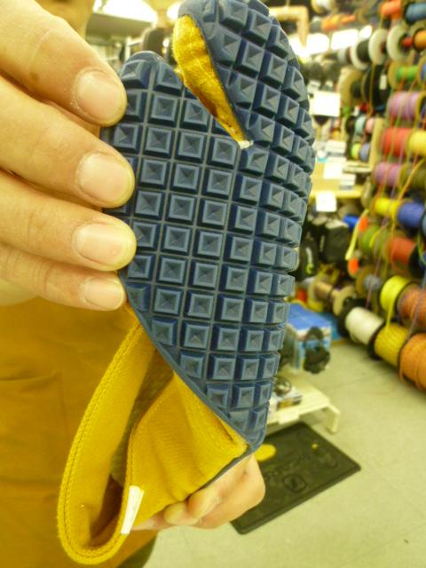 足袋のような・・・くつのような・・・_d0198793_1747382.jpg
