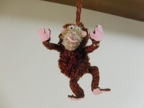 ポンポン人形 ~ サル ~_e0222340_1615614.jpg