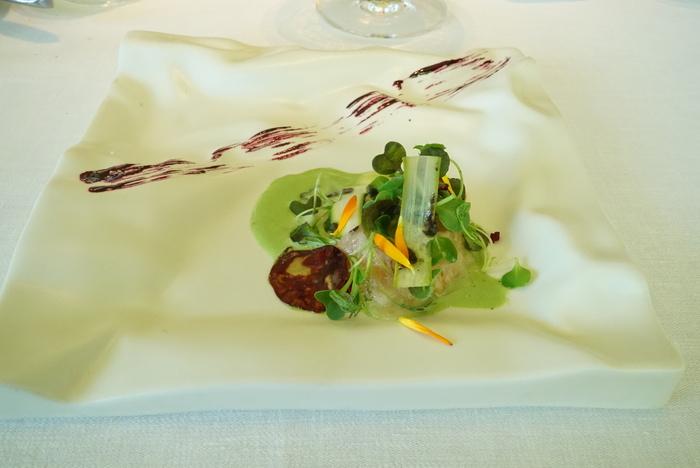 ボルドーからサンセバスチャンへ。ワインとピンチョスの旅 その11 マルティン・ベラサテギ_a0223786_16153463.jpg