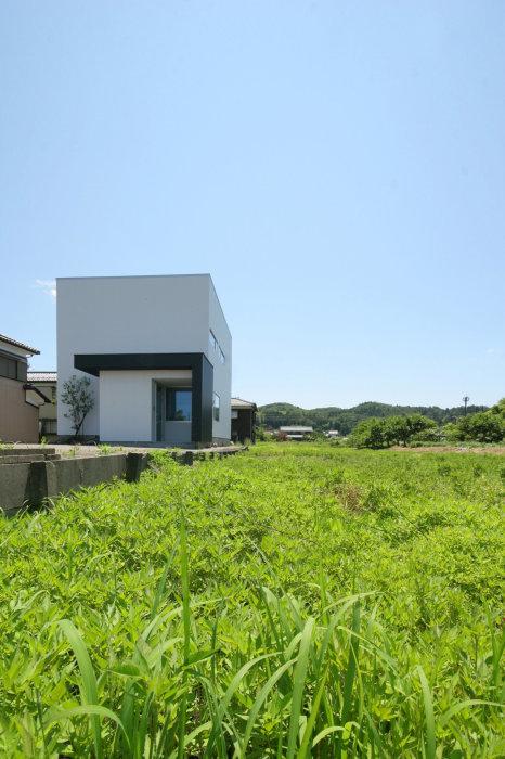 山里に建つ小さなオフィス_b0349892_07254478.jpg