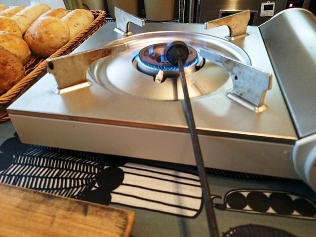 食パンに焼き入れました_e0167593_1592954.jpg