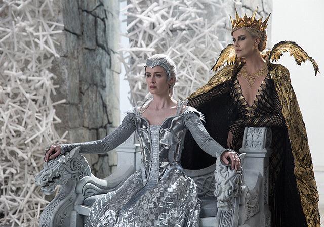 「スノーホワイト 氷の王国」_c0118119_22432578.jpg