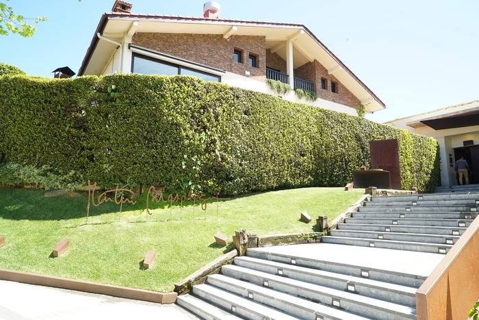 ボルドーからサンセバスチャンへ。ワインとピンチョスの旅 その11 マルティン・ベラサテギ_a0223786_15214477.jpg