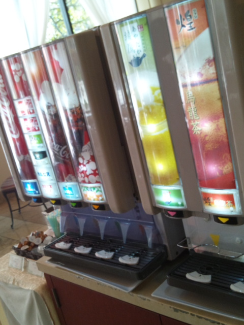 ホテルオークラ東京ベイ テラス スイートランチ~パティシエ8人のマイフェイバリット~_f0076001_235726.jpg