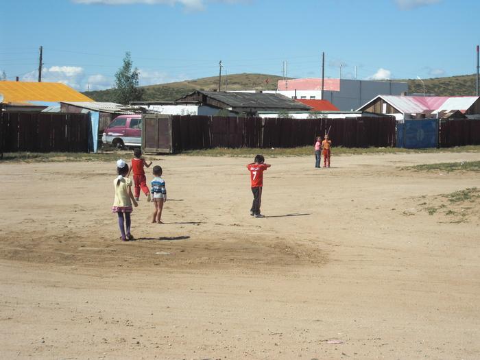 モンゴルの子供たち_a0109837_16114588.jpg