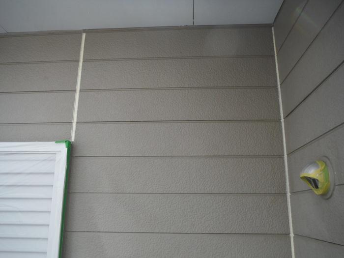 入居前リフォーム ~ 塗装工事から開始です。_d0165368_4341742.jpg