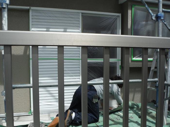 入居前リフォーム ~ 塗装工事から開始です。_d0165368_4343294.jpg