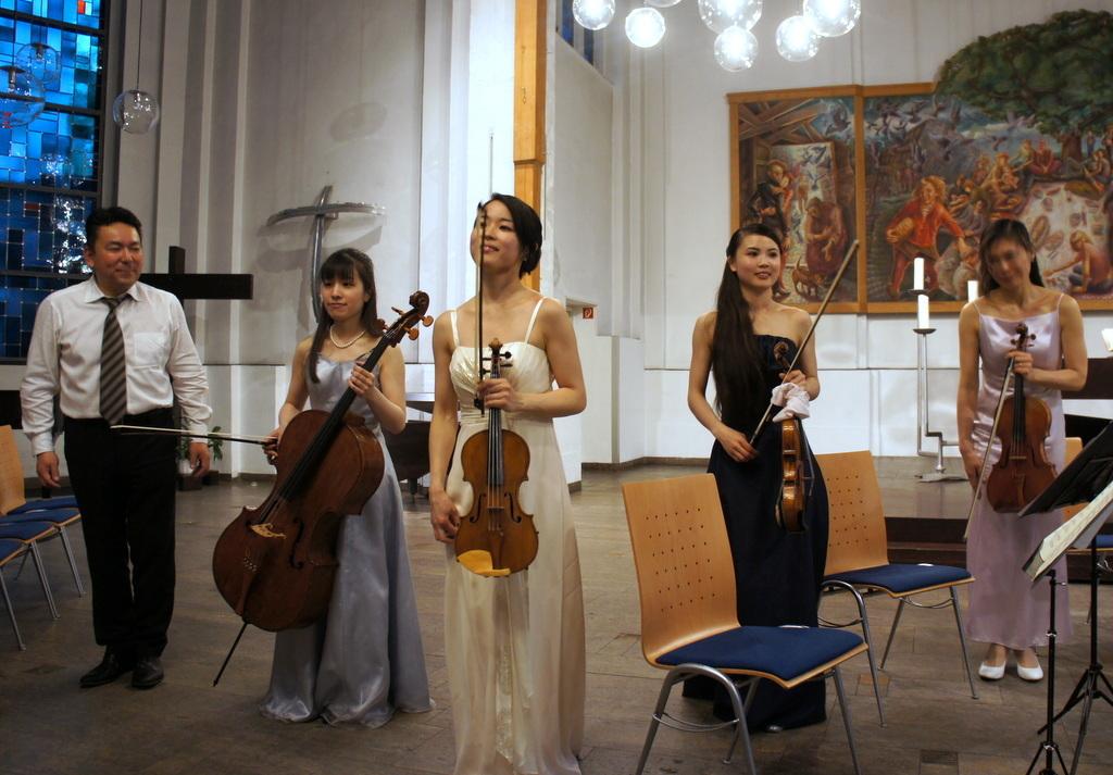KEBT Schuberts Quintette 公演_c0180686_15111138.jpg