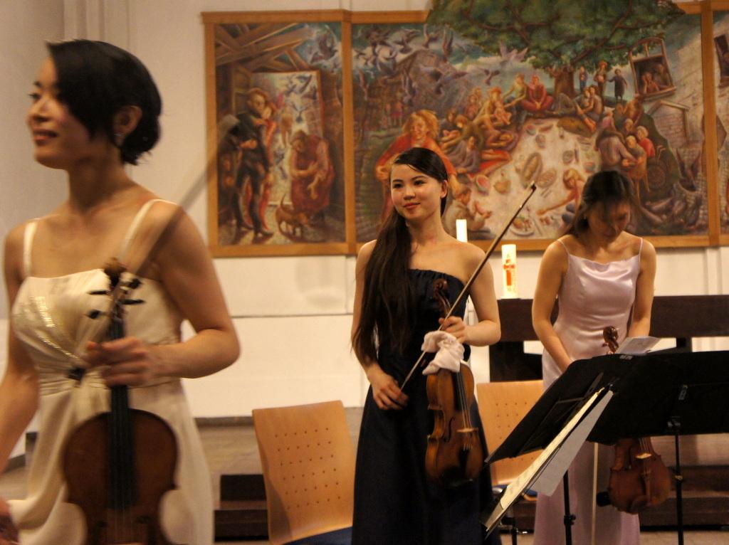 KEBT Schuberts Quintette 公演_c0180686_15112416.jpg
