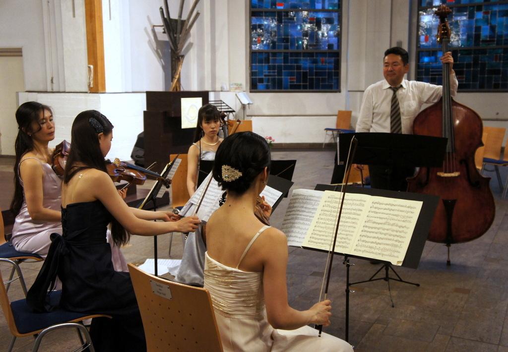 KEBT Schuberts Quintette 公演_c0180686_15114923.jpg