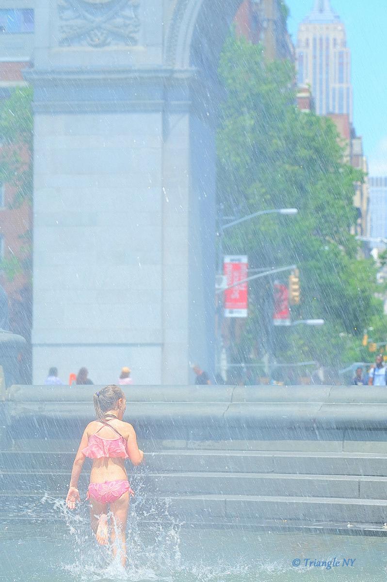 噴水プール_a0274805_03281030.jpg