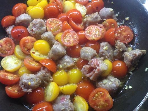 黄&赤トマトのカラフルパスタ_a0136671_046113.jpg