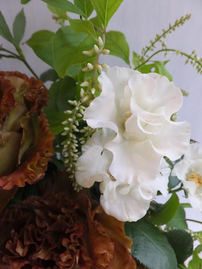 オークリーフ(市川さんのバラ・オードリーを入れたアレンジメント)_f0049672_1820277.jpg