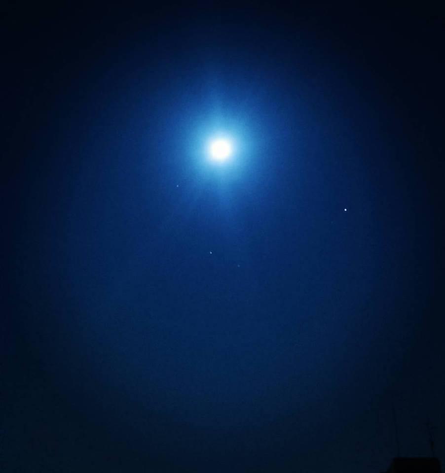 先日の満月_e0075673_1295718.jpg