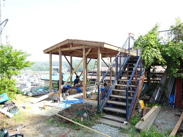作業小屋新築  進行中。_f0105112_492663.jpg