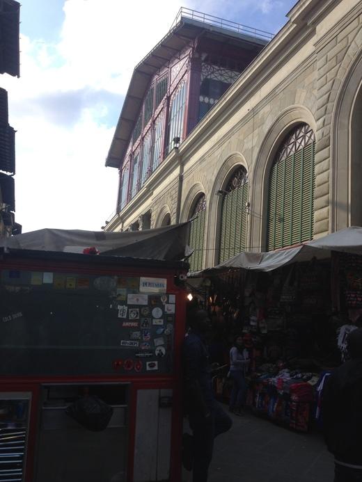中央市場一階フードコートのレストランブース_a0136671_0554188.jpg