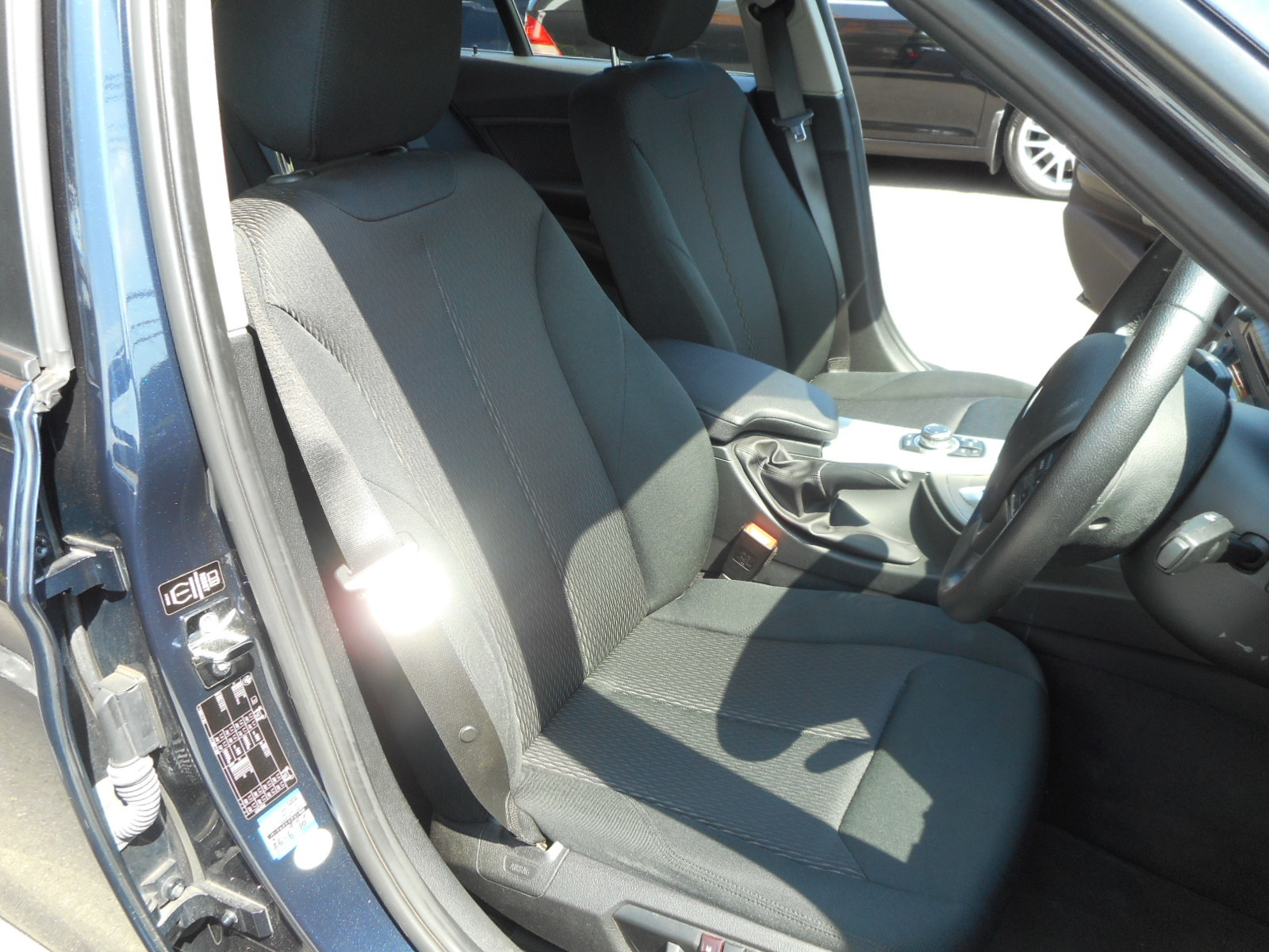 BMW 320d入りました!_c0267693_17524574.jpg