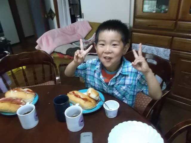 パンを焼いていたら嫁と孫がやって来た(ー_ー)!!_f0019498_20374561.jpg