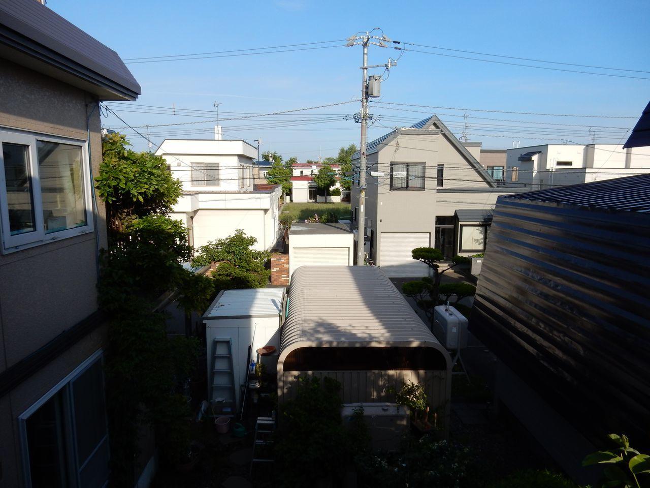 晴れても20℃に届かない札幌_c0025115_22281091.jpg