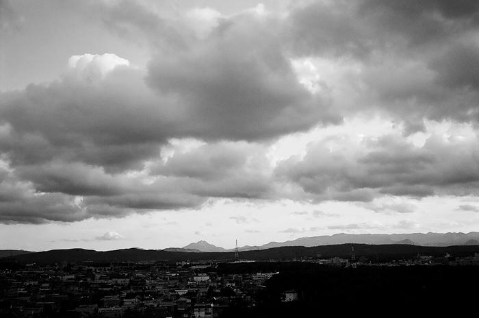 恵庭岳と雲_c0182775_17221388.jpg