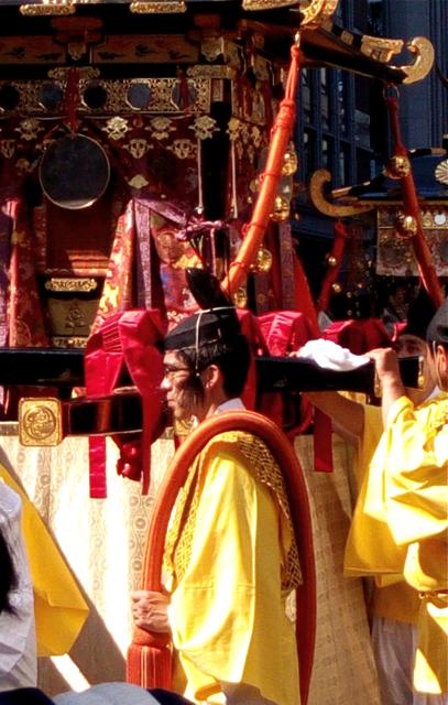 日枝神社の山王祭の神幸行列  散歩_c0201876_12243852.jpg