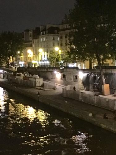 Parisです。_c0108595_13315995.jpg