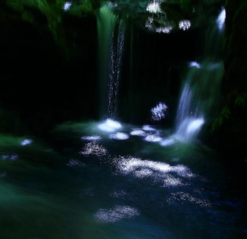 遠野不思議 第八百四十八話「被り岩滝」_f0075075_155865.jpg
