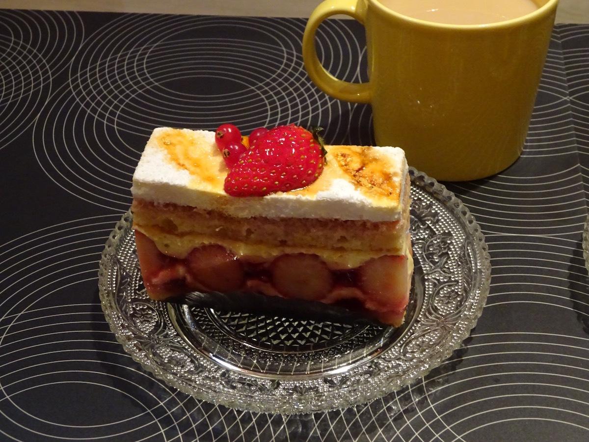 エーグルドゥースのケーキ_e0230011_17183938.jpg