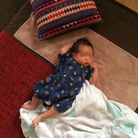 赤ちゃんとマッサージ_f0331651_17492507.jpg