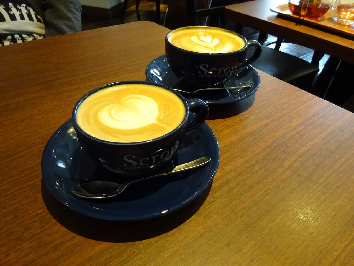 Scrop COFFEE Roastersでラテ_e0230011_17241597.jpg