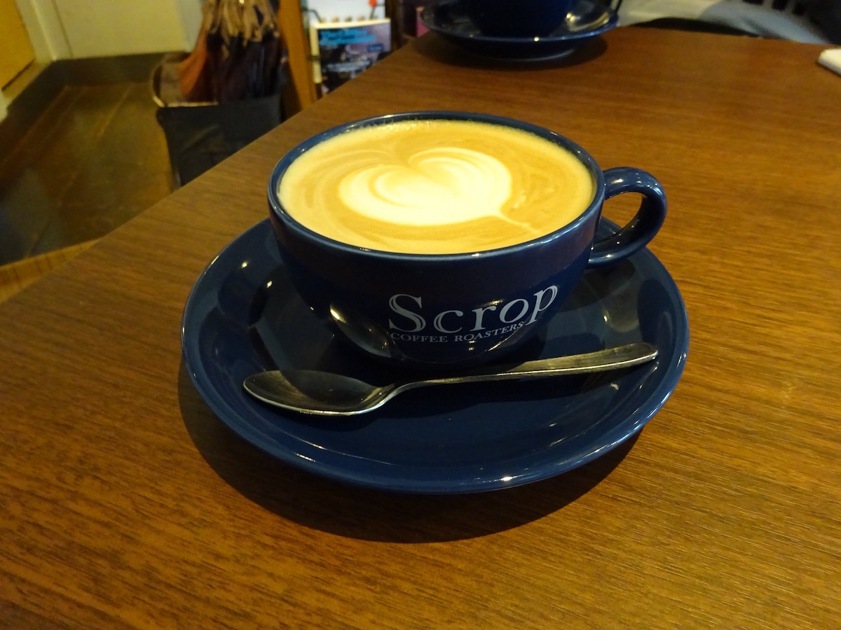 Scrop COFFEE Roastersでラテ_e0230011_17252886.jpg