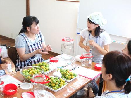 おばあちゃんの梅干し作り講座 今年も大盛況でした♪_d0298850_14533408.jpg