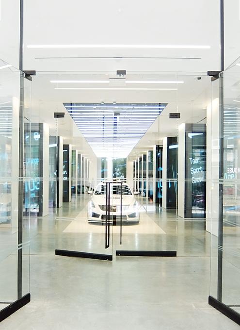 アートやファッションも集うNYの新たなクリエイティブ空間、「キャデラックハウス」(Cadillac House)_b0007805_1171458.jpg