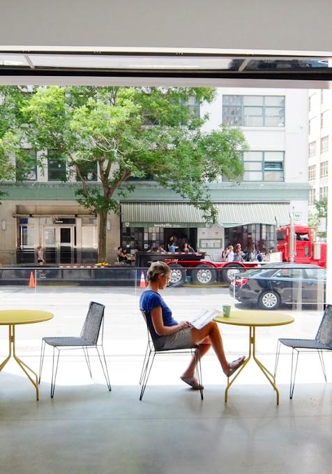 アートやファッションも集うNYの新たなクリエイティブ空間、「キャデラックハウス」(Cadillac House)_b0007805_117335.jpg