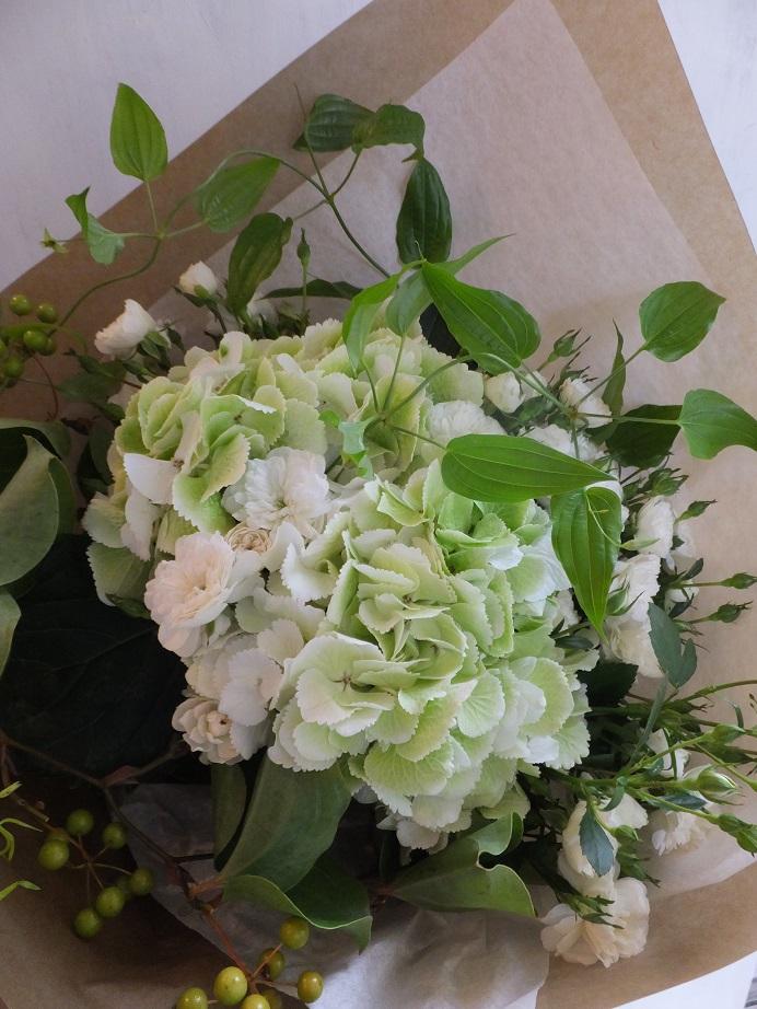 オークリーフ(紫陽花とバラの花束)_f0049672_1817594.jpg