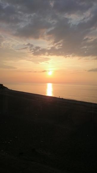 夕陽が綺麗なご宴会_d0235898_05190031.jpg