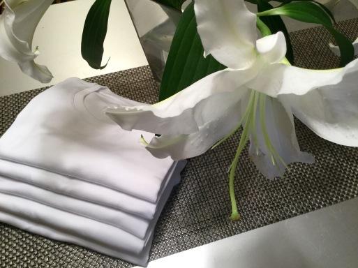 夏の必須アイテム…今年の白Tシャツ_b0210699_00044641.jpeg