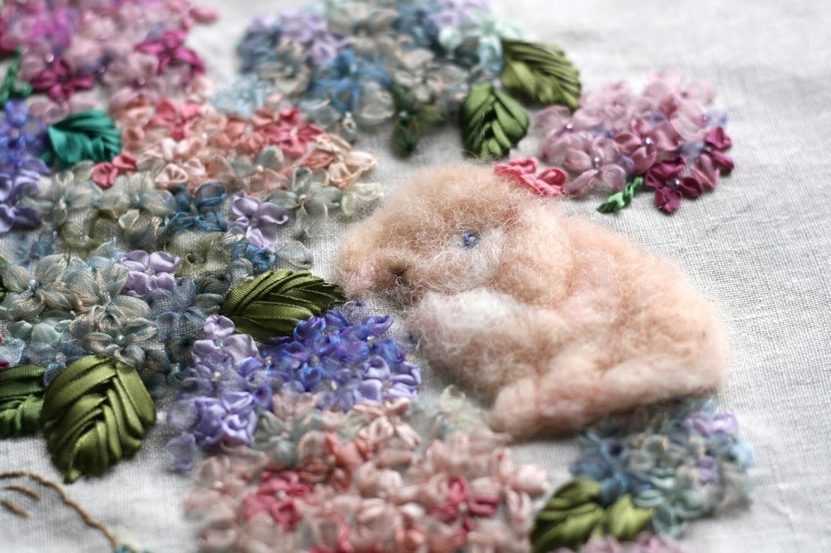 【季節を彩るリボン刺繍】花冠のクレア-秋色アジサイ-_a0157409_10313154.jpg