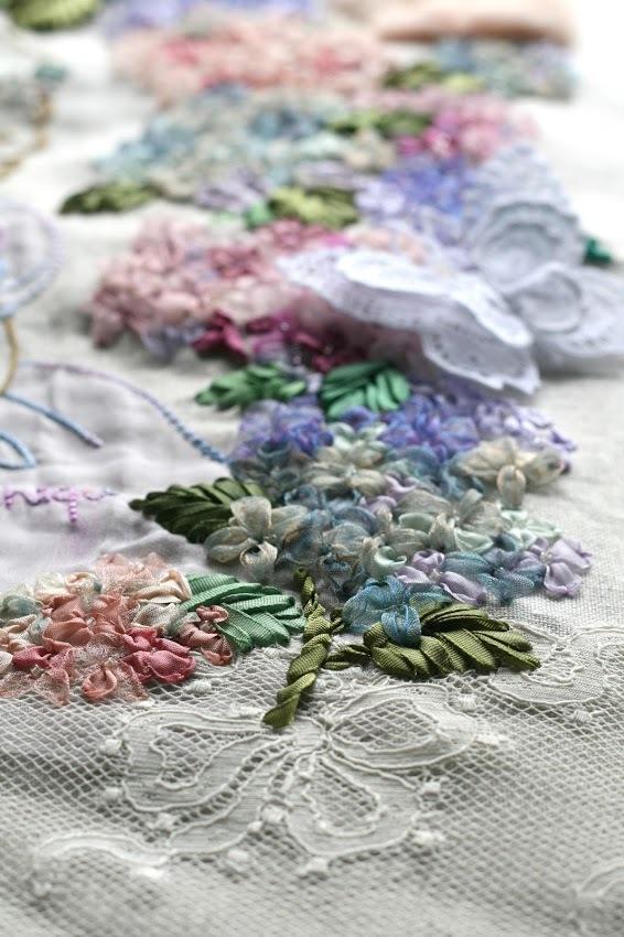 【季節を彩るリボン刺繍】花冠のクレア-秋色アジサイ-_a0157409_10325013.jpg
