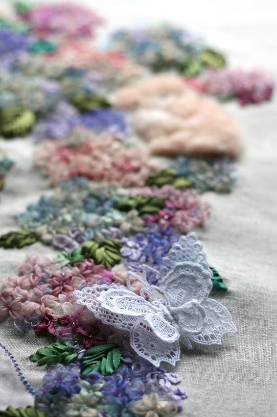 【季節を彩るリボン刺繍】花冠のクレア-秋色アジサイ-_a0157409_10370180.jpg