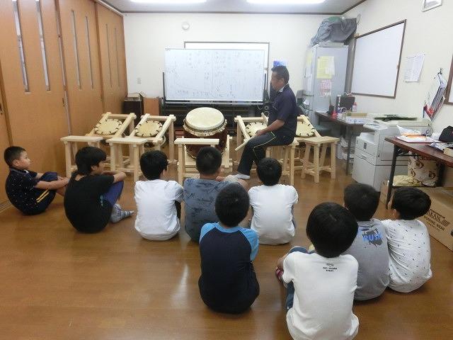 7月の天王祭に向けて始まった駿河台三丁目の太鼓の練習_f0141310_7153227.jpg