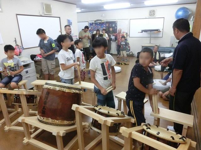 7月の天王祭に向けて始まった駿河台三丁目の太鼓の練習_f0141310_7164133.jpg