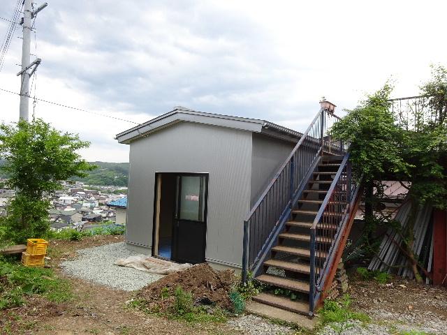 物置小屋新築  完成しました。 _f0105112_433517.jpg