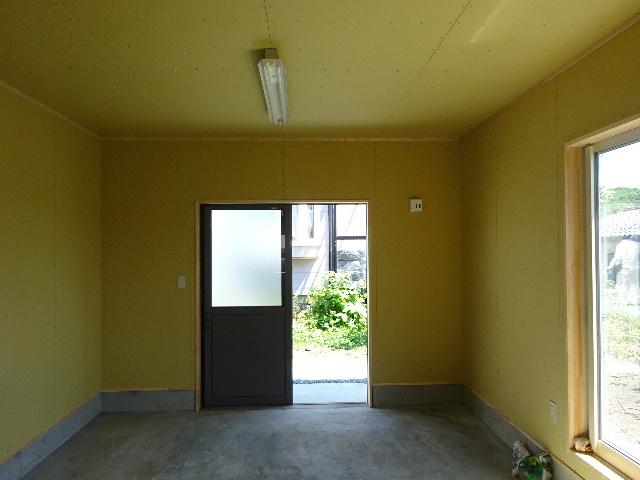 物置小屋新築  完成しました。 _f0105112_4371918.jpg