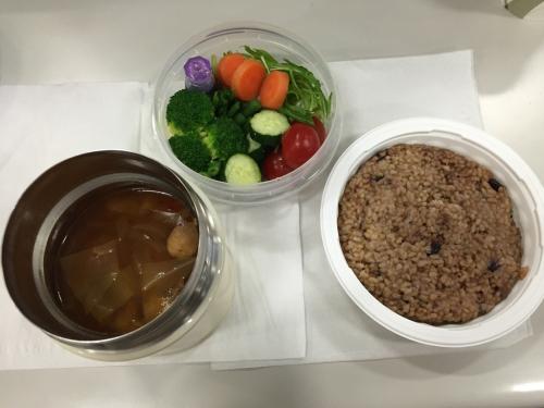ダイエットは野菜たっぷりのミネストローネで_d0285416_19342958.jpg