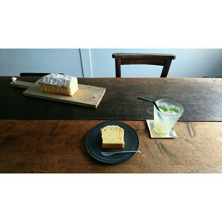 レモンケーキとハーブコーディアル_c0172049_07350624.jpg