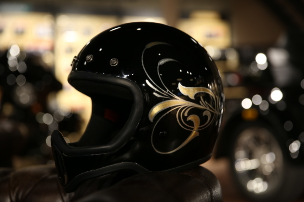 Helmet paint._d0074074_15021912.jpg